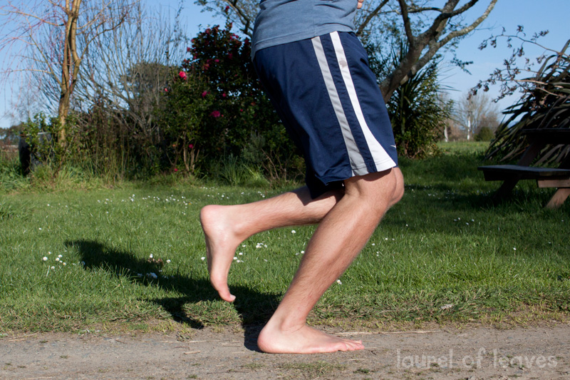 Bend the Knees When Running Barefoot